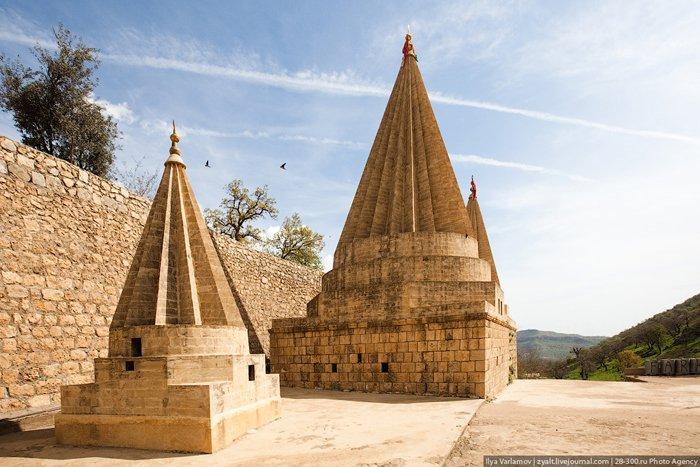 Lalesh_Tomb of Sheikh Adi ibn Musafi